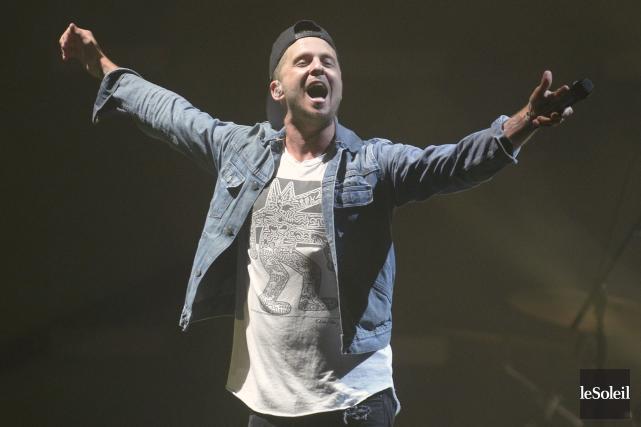Le chanteur Ryan Tedder était dans une forme... (Le Soleil, Jean-Marie Villeneuve)