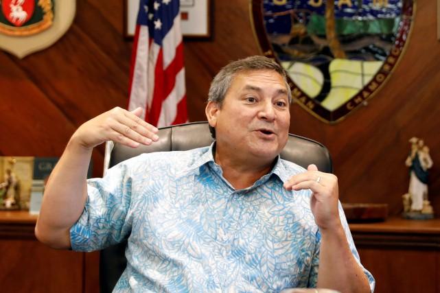 Le gouverneur de Guam Eddie Calvo explique que... (Photo Erik De Castro, REUTERS)