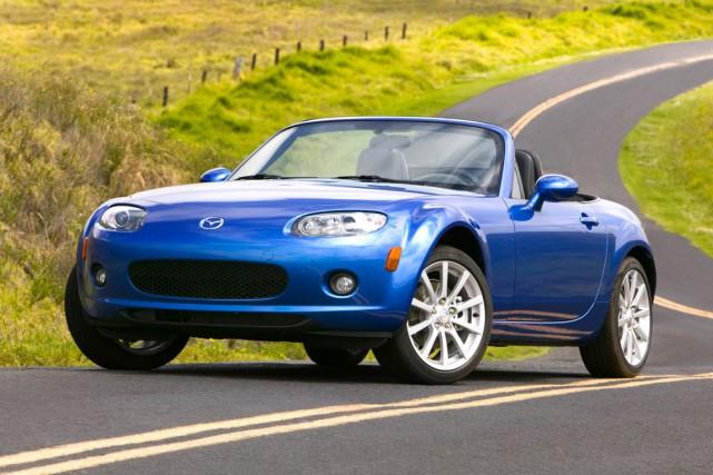 La Mazda MX-5 Miata... (Photo fournie par Mazda)