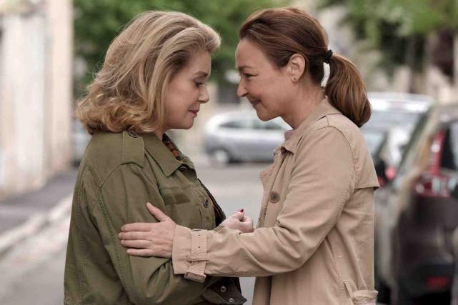 Catherine Deneuve et Catherine Frot partagent la vedette... (Fournie par MK 2 - Mile End)