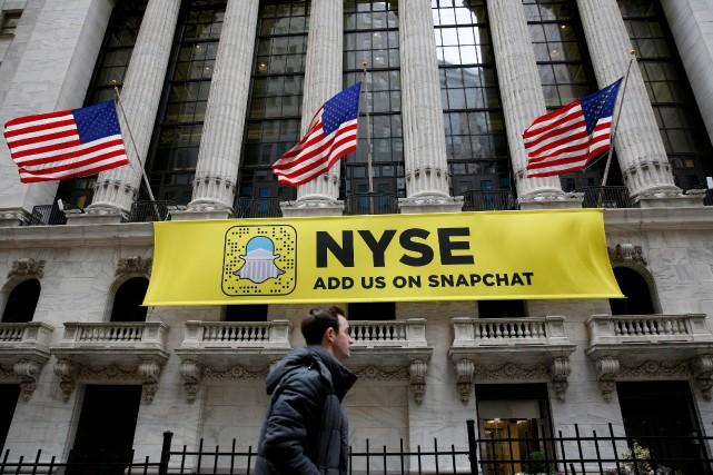 Snap n'a cessé de reculer en Bourse après... (Photo Brendan McDermid, REUTERS)