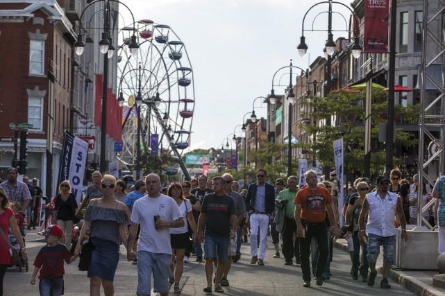 Le centre-ville de Trois-Rivières était déjà animé jeudi... (Olivier Croteau)