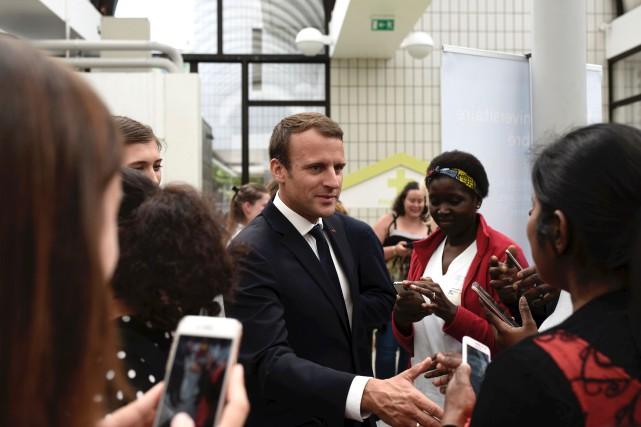 Emmanuel Macron est officiellement président de la République... (AFP, Philippe Lopez)