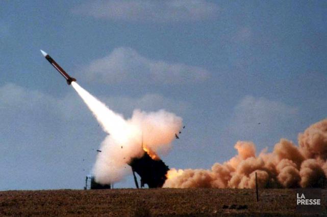 ÉDITORIAL / Guerre des mots, guerre des égos ou réelle menace de conflit armé,... (Archives La Presse, AFP)