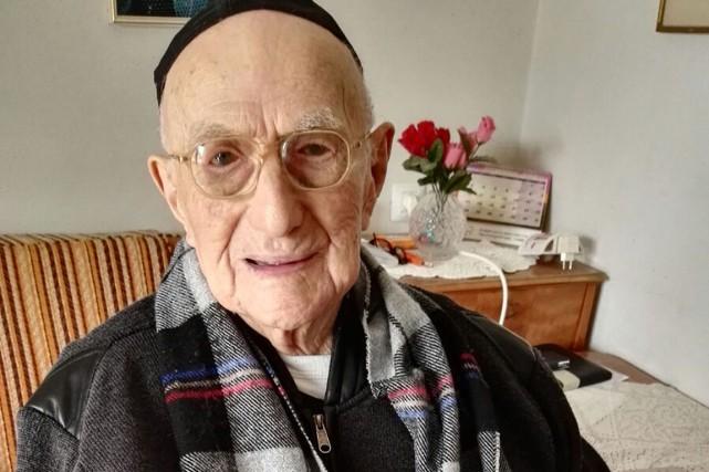 Yisrael Kristal en janvier 2016... (PHOTO SHULA KOPERSHTOUK, ARCHIVES AFP)