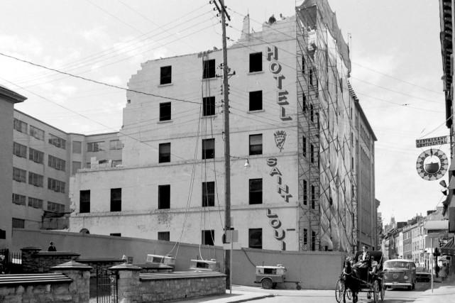 L'hôtel Saint-Louis en 1969...
