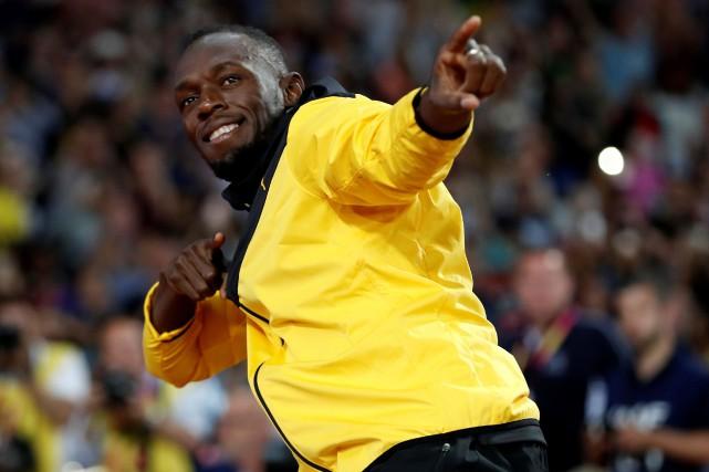 Usain Bolt a improvisé quelques pas de danse... (REUTERS)