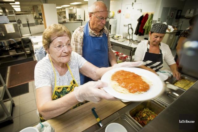 Nous, les personnes âgées, loin de nous résigner à blanchir sous les cendres... (Archives, La Tribune)