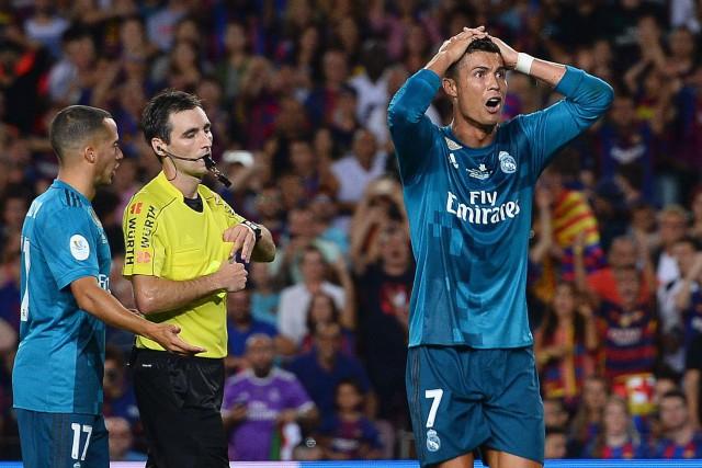 Cristiano Ronaldo (à droite) a été expulsé de... (Photo Josep Lago, AFP)