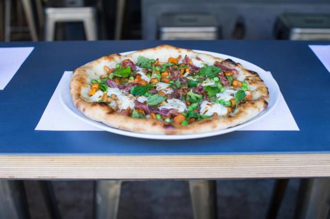 Le Moleskine et ses pizzas cuites sur four... (Photo Olivier PontBriand, Archives La Presse)