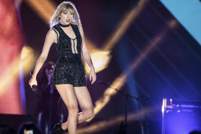 Taylor Swift en octobre dernier lors d'un spectacle... (AFP, Suzanne Cordeiro)