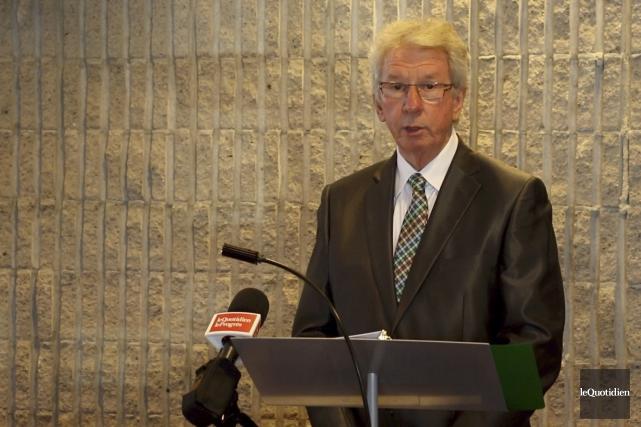 Jean-Pierre Blackburn a tenu un point de presse... (Photo Le Quotidien, Yohann Gasse)