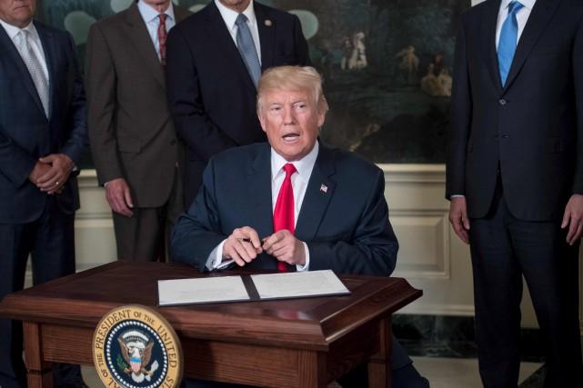 Trump s 39 attaque aux relations commerciales avec la chine for Attaque a la maison blanche
