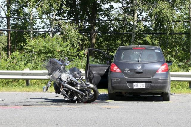 Un motocycliste de 59ans a succombé à ses... (Janick Marois)