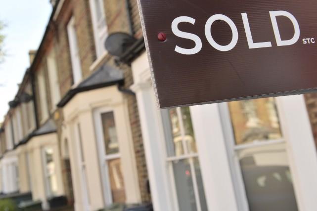 Les ventes d'habitations au Canada devraient reculer à leur plus faible niveau... (Agence France-Presse)