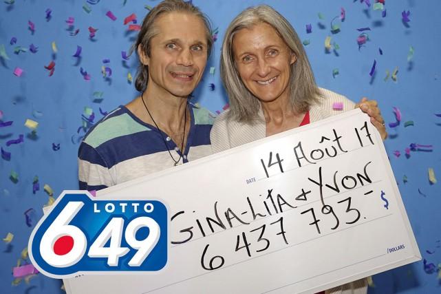 La chance a souri à un couple de Québec qui a remporté 6 437 793 $ au tirage du... (fournie par Loto-Québec)