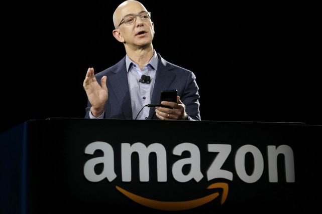 Le PDG d'Amazon, Jeff Bezos... (AP)
