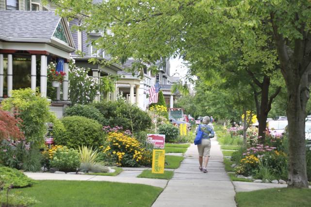 Chaque jardin du Garden Walk de Buffalo est... (www.jardinierparesseux.com)