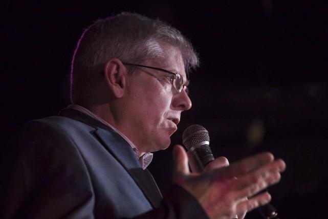 Charlie Angus devrait reprendre sa campagne lundi.... (La Presse canadienne, Chris Young)
