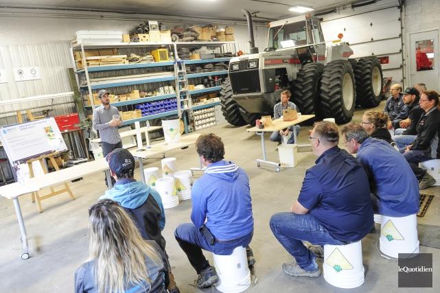 La Caravane de l'irrigation de l'Institut de recherche... (Photo Le Quotidien, Gimmy Desbiens)