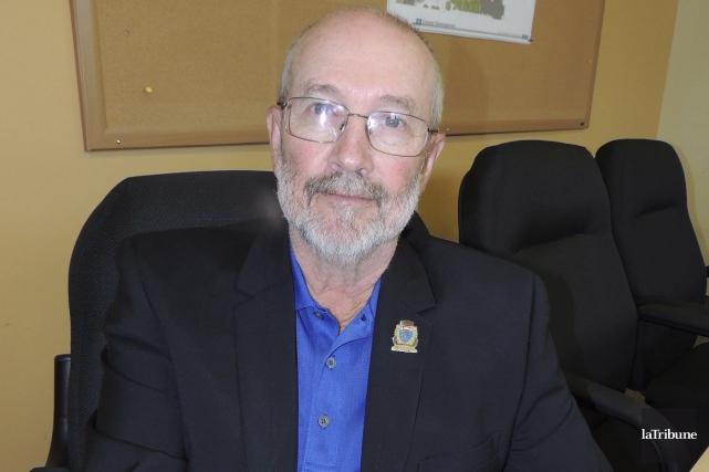 Le conseiller municipal Pierre Mercier agit comme maire... (La Tribune, Ronald Martel)