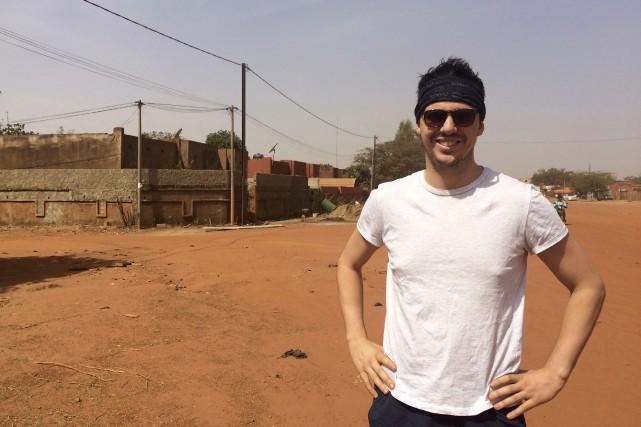 Eliot Lapointe, originaire d'Albanel, se trouve à Ouagadougou... (Photo courtoisie)