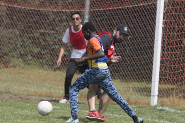 Des jeunes ont disputé un match de soccer... (Stéphane Lessard)