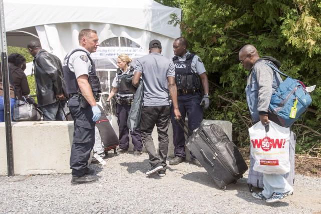 Seulement depuis le 1er août, 3800 personnes ont... (Archives La Presse canadienne, Ryan Remiorz)