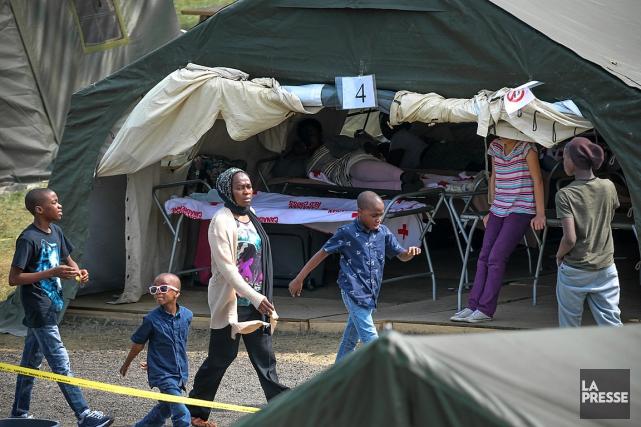 Le camp temporaire des demandeurs d'asile de Lacolle... (PHOTO MARTIN TREMBLAY, LA PRESSE)