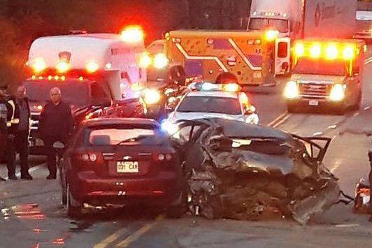 Un violent accident a bloqué la 138 à... (fournie par Sylvain Dufour)