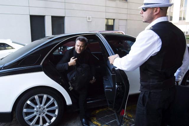 L'avocat de Karim Baratov arrive à la cour.... (Photo La Presse canadienne)