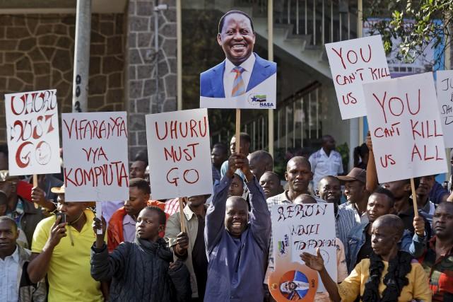 Des partisans de Raila Odinga, défait lors de... (AP, Ben Curtis)