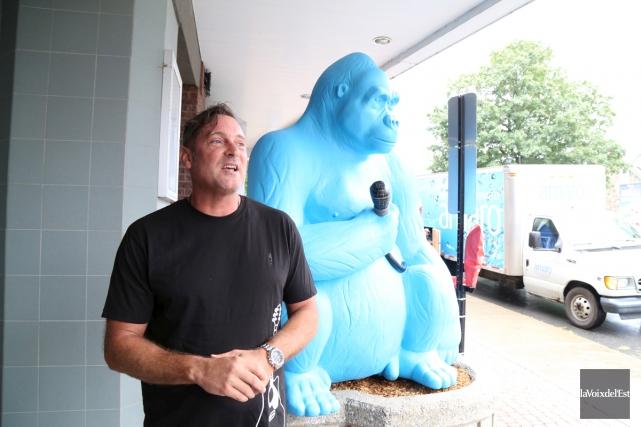 Selon le maire Pascal Bonin, le bleu du... (Janick Marois, La Voix de l'Est)