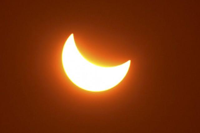 Dans la région d'Ottawa-Gatineau, l'éclipse solaire se déroulera... (123RF)