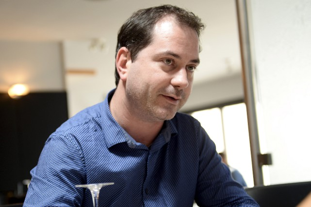 Sébastien Harvey, gérant à L'Entrecôte Riverin, estime qu'il... (Le Progrès, Jeannot Lévesque)