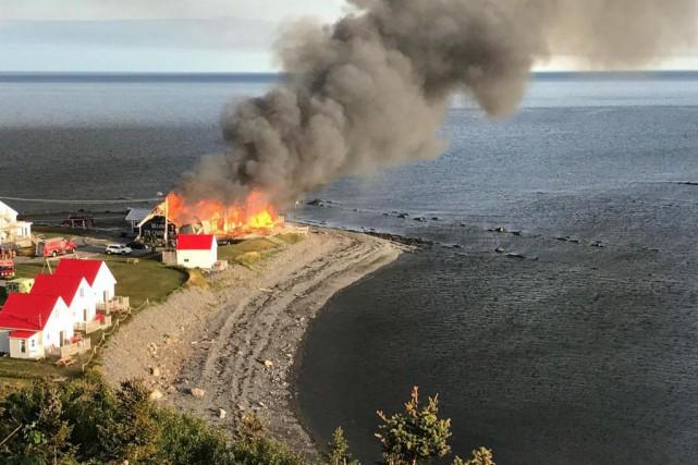 L'incendie qui a ravagé lundi le Théâtre de... (Archives La Presse canadienne, Marc-Antoine Dufresne)