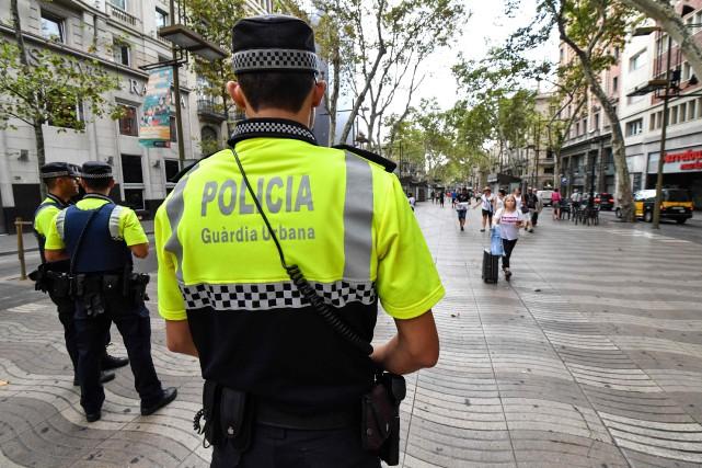 La sécurité a été renforcée sur l'avenue La... (PHOTO Pascal GUYOT, AFP)