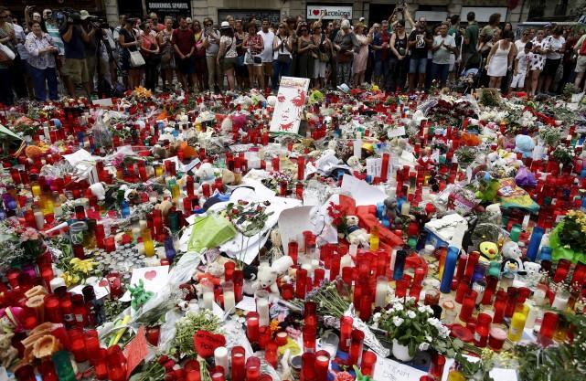 Lorsque les tours jumelles de New York se sont écroulées, en septembre 2001,... (Photo Associated Press)