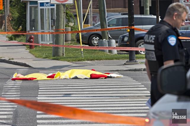Une piétonne a perdu la vie, lundi matin, dans l'arrondissement Lachine à... (Photo Patrick Sanfaçon, La Presse)