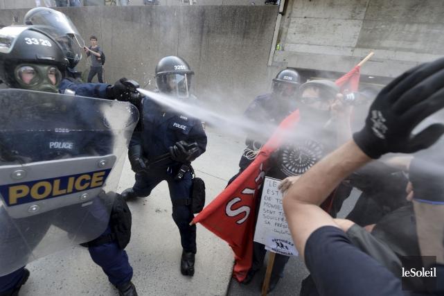 Les deux suspects ont participé à la contre-manifestation... (Photothèque Le Soleil, Yan Doublet)