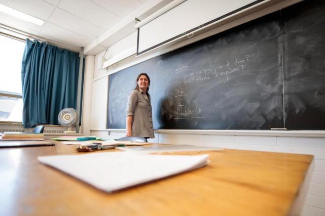 Roxanne Bouchard, professeure de littérature québécoise et de... (PHOTO HUGO-SÉBASTIEN AUBERT, ARCHIVES LA PRESSE)