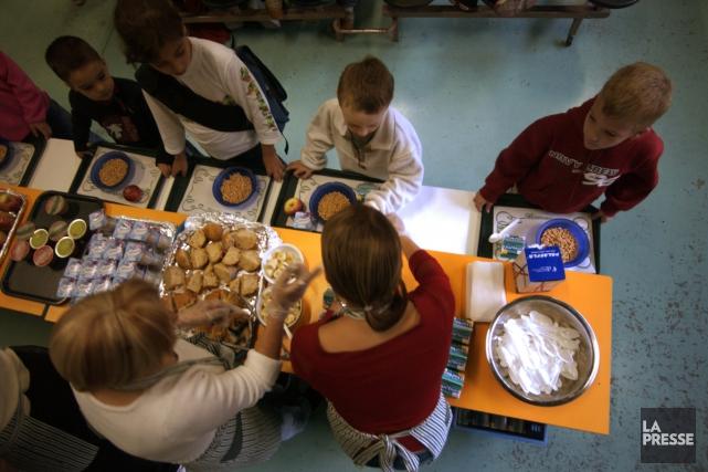 Les enfants s'alimentent mal à l'école, prévient une étude canadienne, mais la... (Photo Ivanoh Demers, archives La Presse)