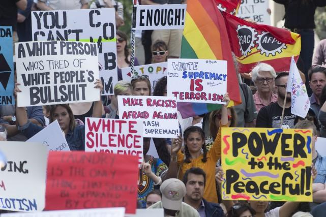 Les discours et les slogans s'en sont pris... (Adrian Wyld, La Presse canadienne)
