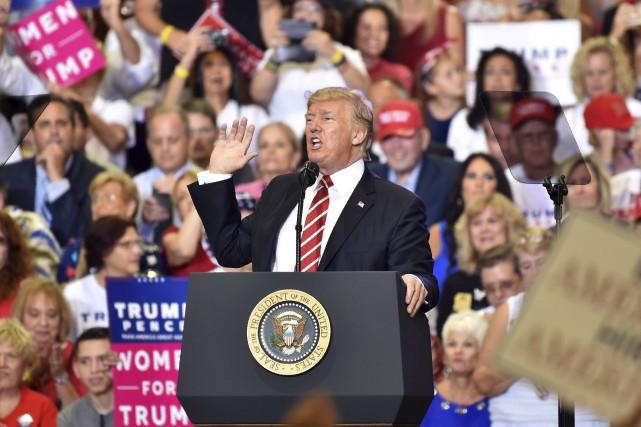 À Phoenix, une semaine après que des centaines... (AFP, Nicholas Kamm)