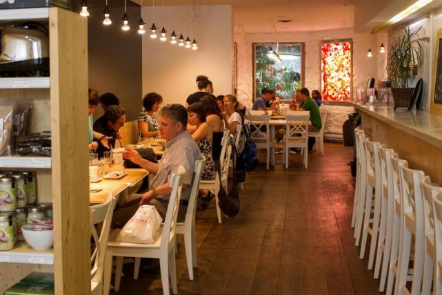 Le restaurant de la rue Mackay a fermé... (Photo Olivier PontBriand, Archives La Presse)