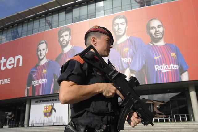 Le jour même des attentats revendiqués par le... (PHOTO AFP)