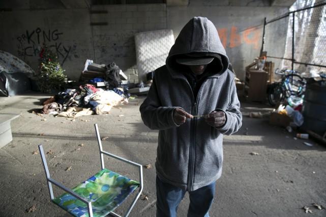 Le fentanyl fait des ravages dans les rues... (Archives, Associated Press)