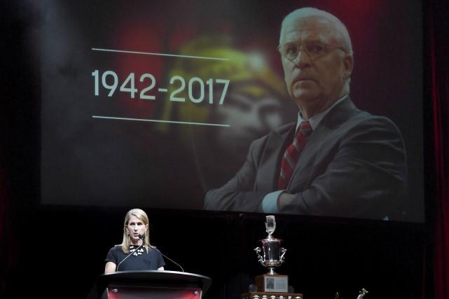 «Notre équipe de hockey vient de subir une... (La Presse Canadienne)