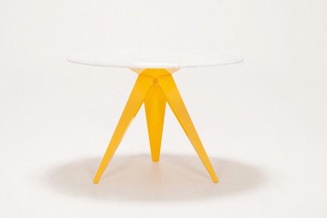 Table ronde Mesa avec dessus en marbre blanc... (EQ3)
