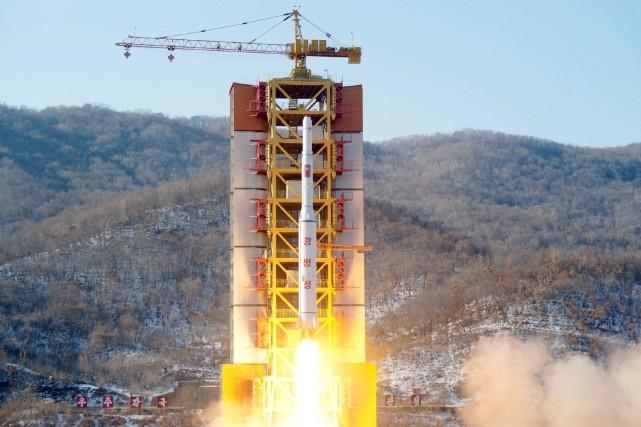 Les missiles ont parcouru environ 250 kmen mer... (Photo REUTERS)